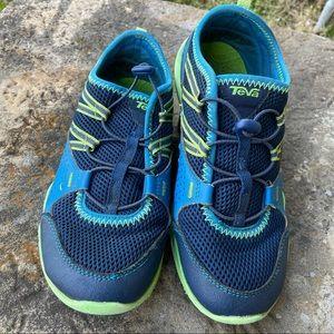 Teva blue green scamper sneakers